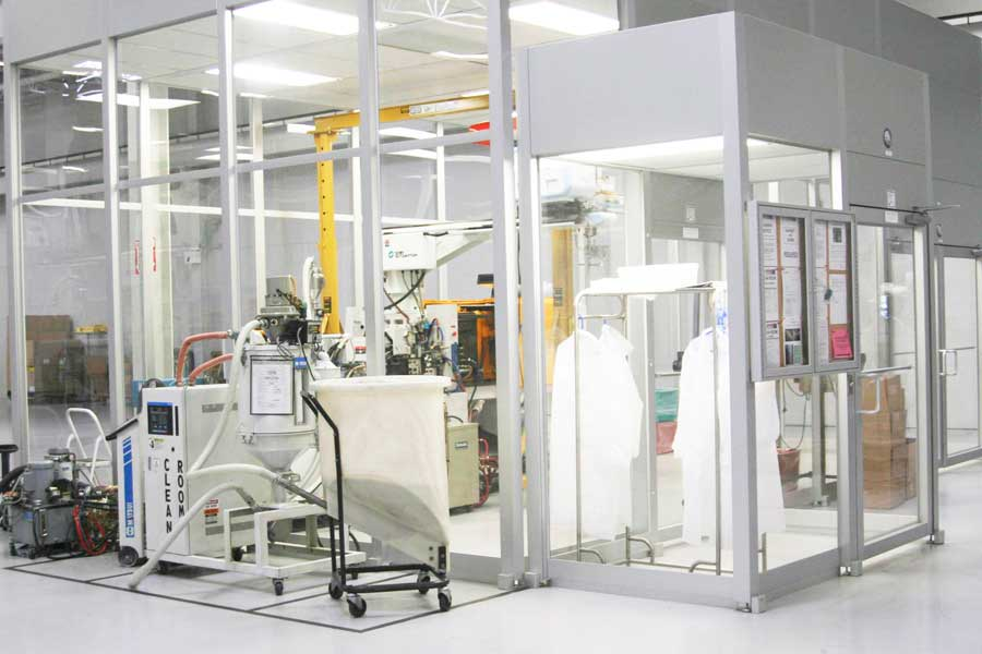 injection molding inside clean room