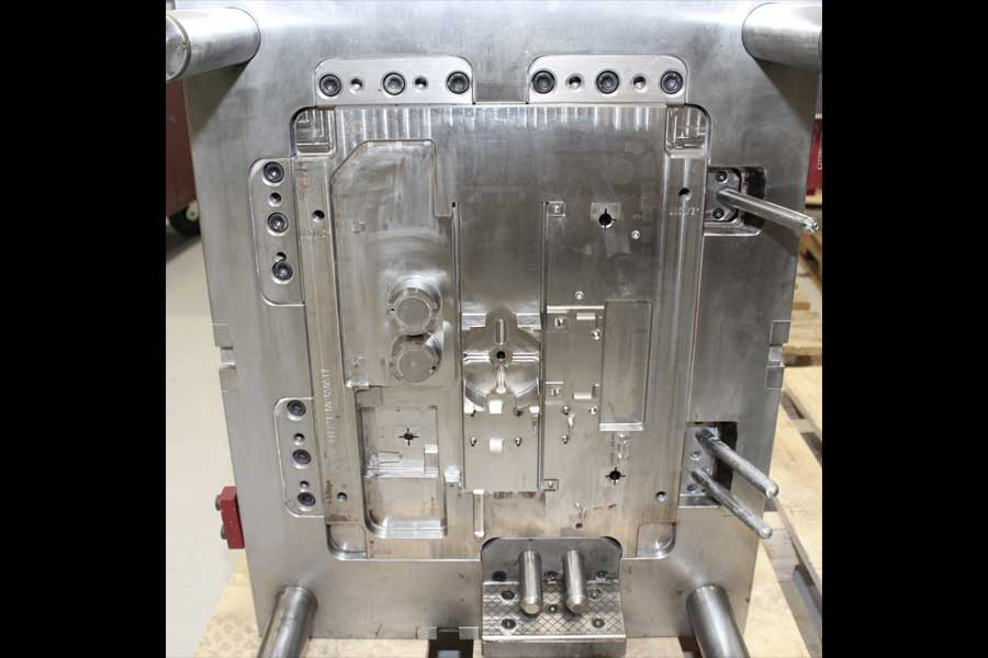 custom tooling for injection molding